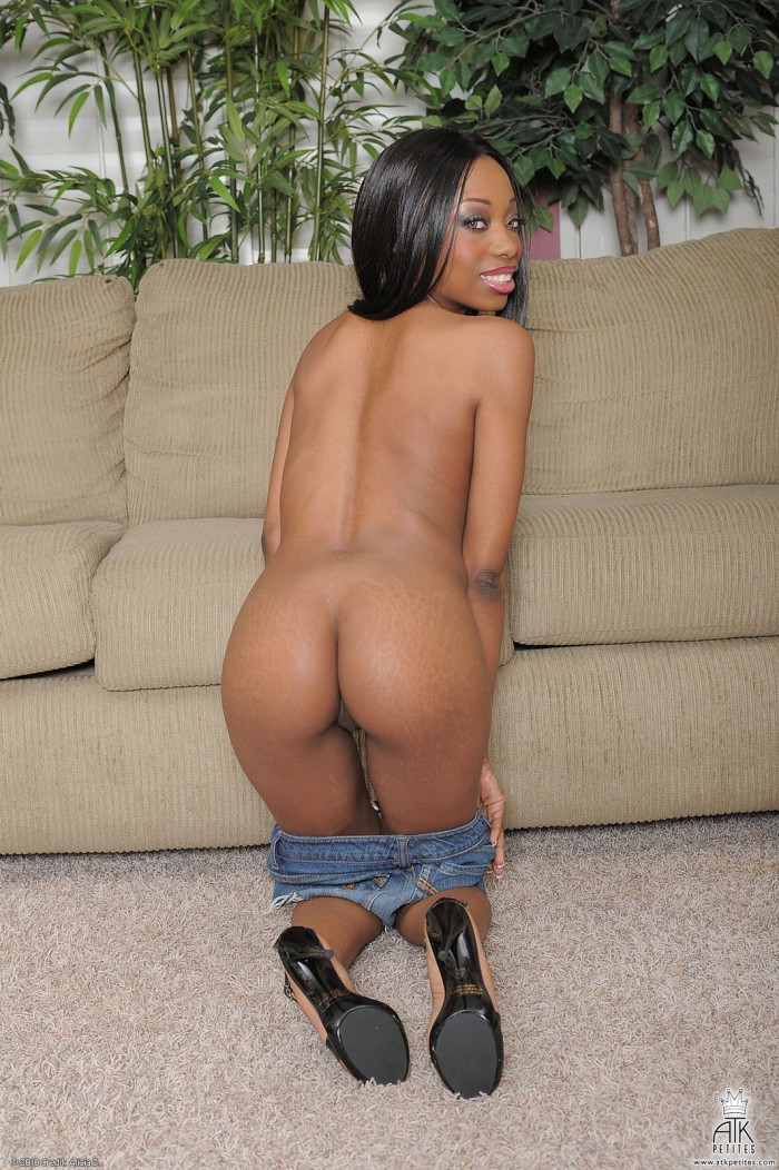 Courtney Foxxx Bare Ass